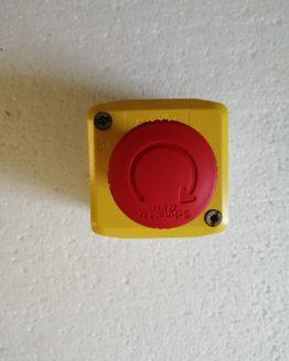 Nouzové STOP tlačítko